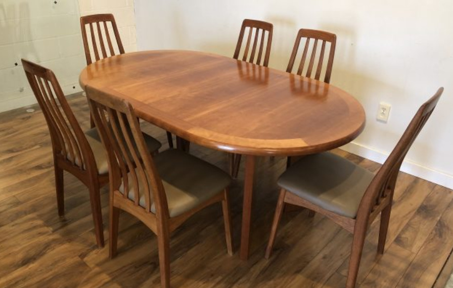 SOLD – Skovby Dining Table & 6 Teak Chairs